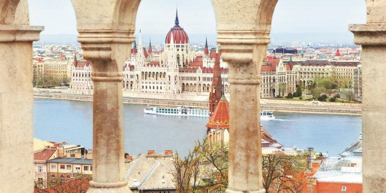 uniworld europe river cruise port excursion