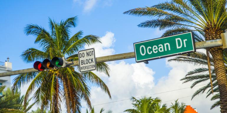 miami florida ocean drive shopping cruise