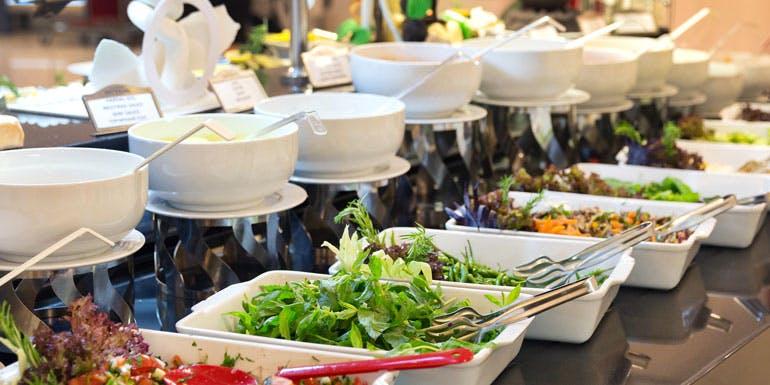 cruise ship buffet lunch