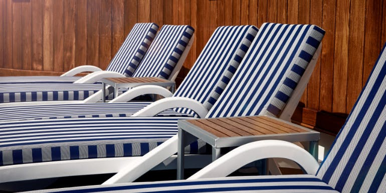 princess cruises lounge chair hogs lounger