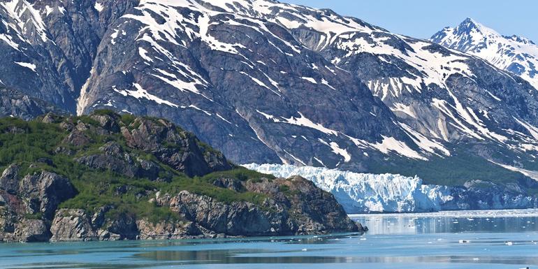 alaska cruise sailing glacier bay