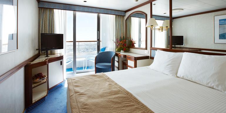 princess balcony cabin queen bed