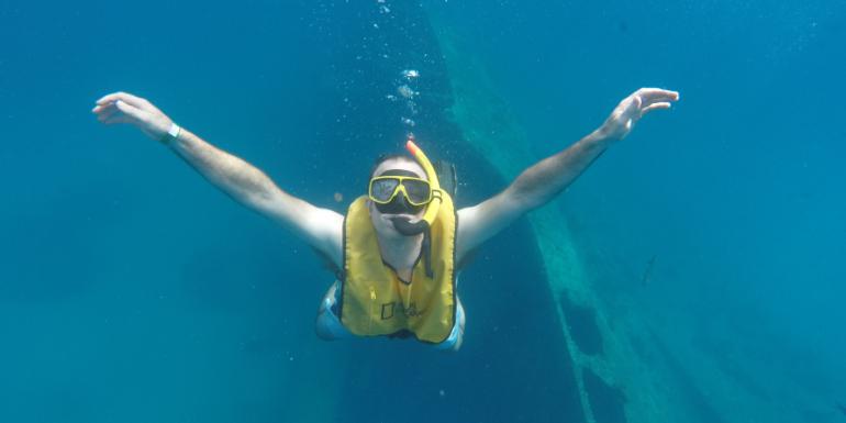 aruba oranjestad snorkeling antilla shipwreck caribbean