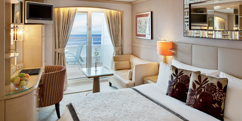 crystal cruises suite