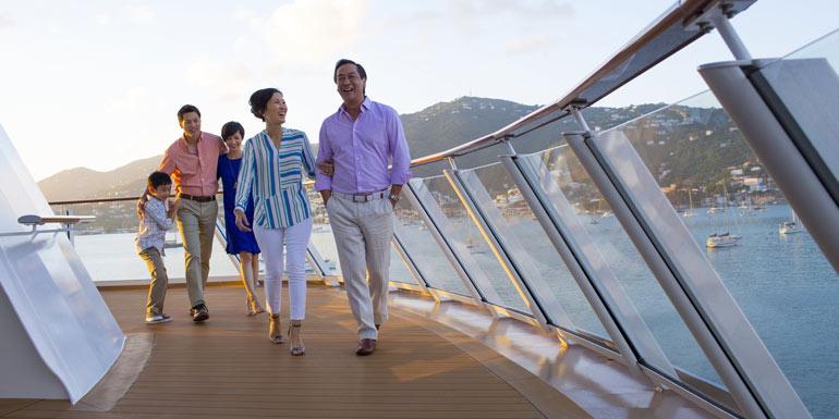 crowded cruise ship family norwegian