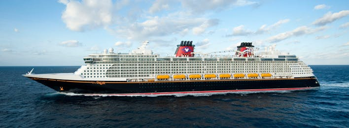 What Disney character inspired the colors of the Disney Cruise Line fleet?