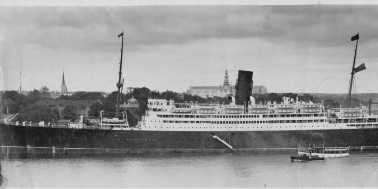 cunard carinthia ocean liner cruise dining