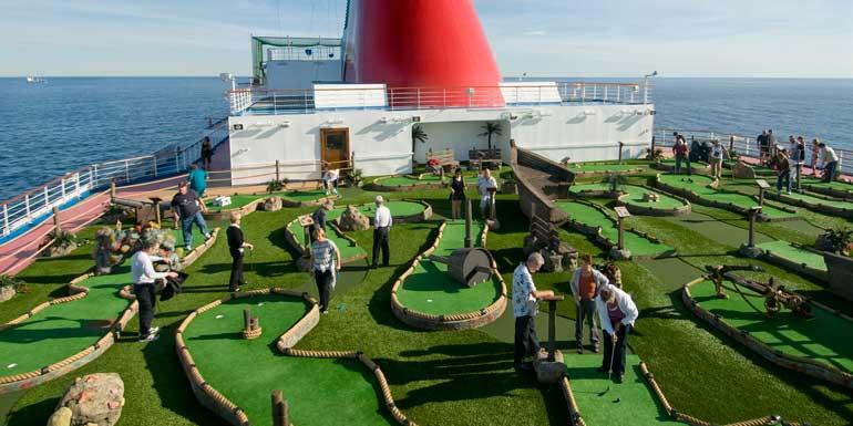 mini golf on cruise ship