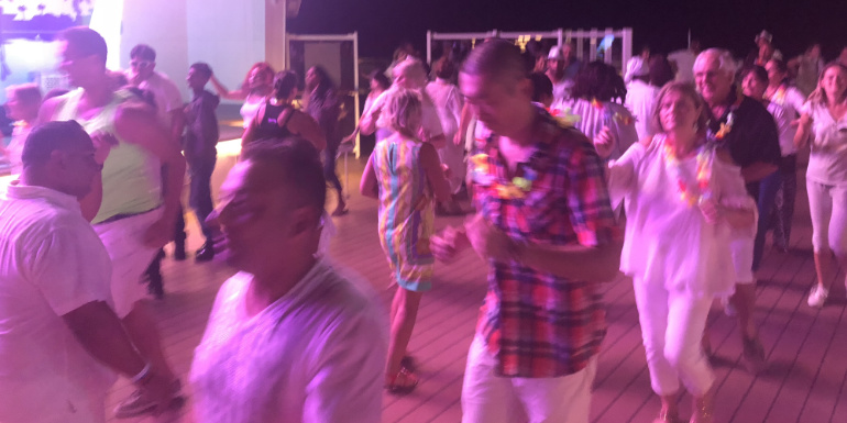 msc seaside pool deck white party