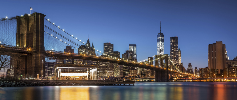 Let's start off easy. This American port city has one of the most iconic skylines in the world.