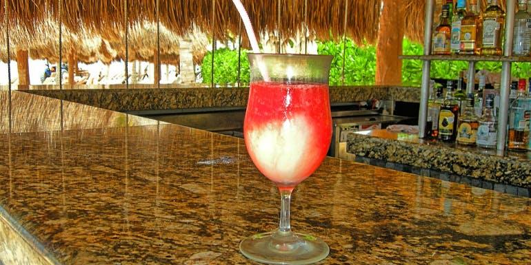 miami vice carnival cruise cocktail recipe