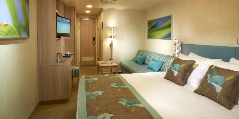 carnival breeze cloud 9 spa cabin