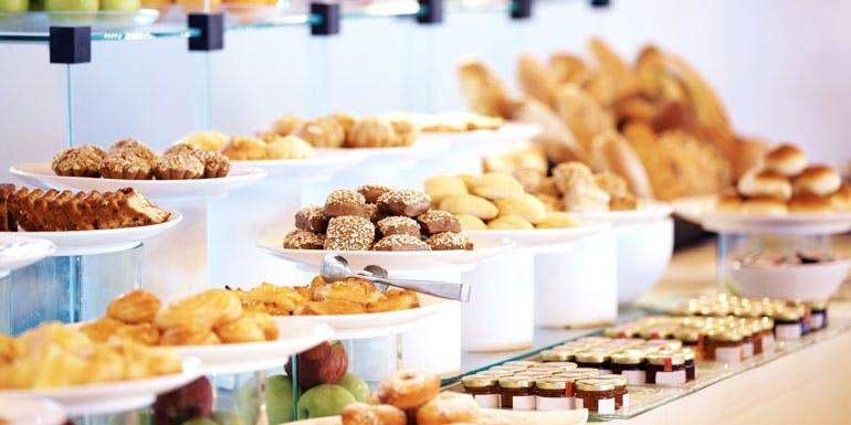 cruise ship buffet