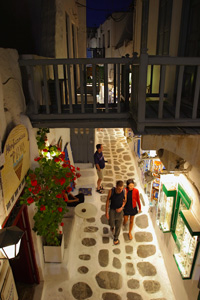 alley of mykonos greece