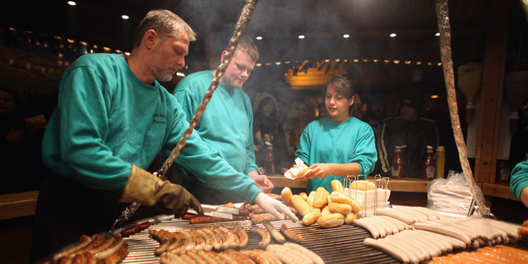 christmas market europe cruise bratwurst