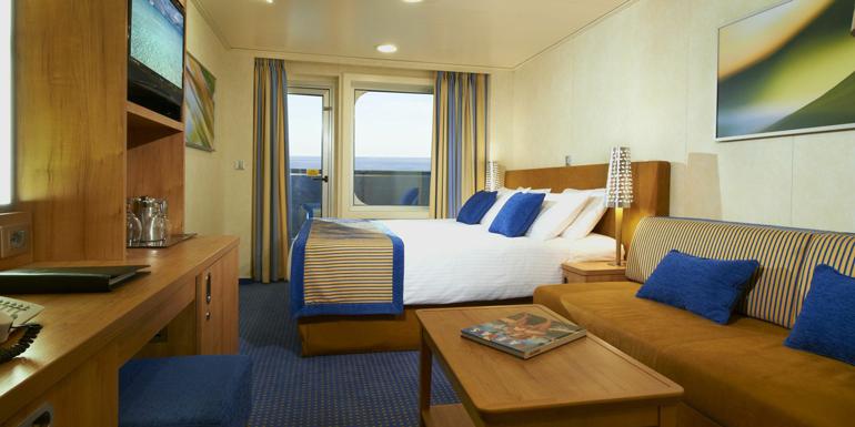 balcony cruise ship cabin