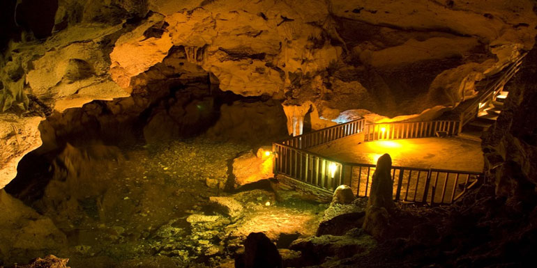 bond live die green grotto caves