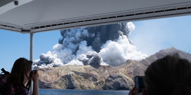white island new zealand volcanic eruption